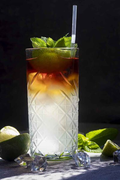 Dark-and-Stormy-cocktail-recipe