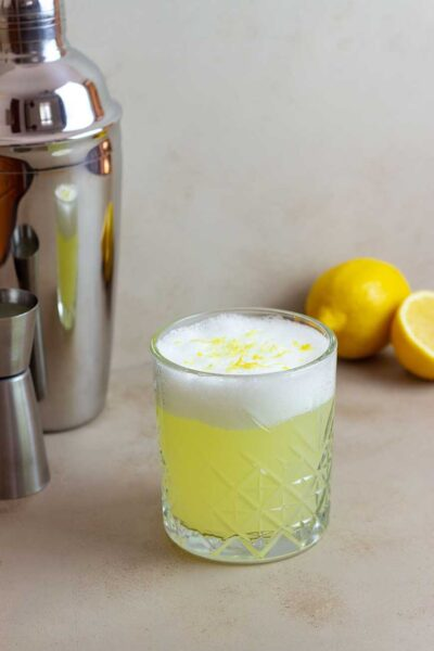Whiskey-Sour-cocktail-recipe