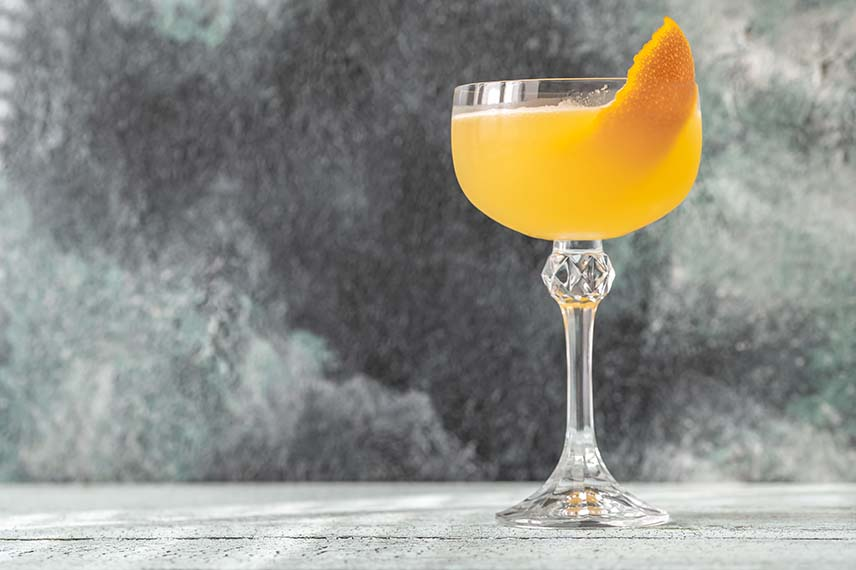 Bees-Knees-cocktail-recipe